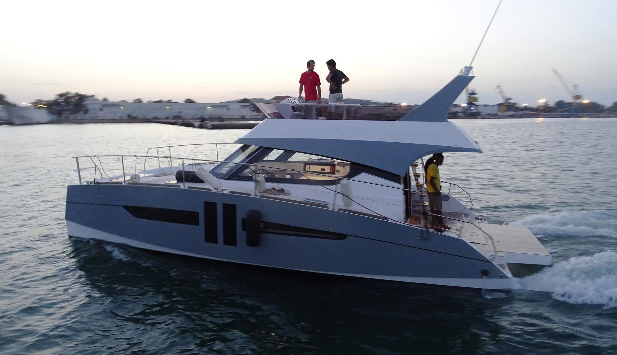 Aventura 10 Power Norpol Yachting